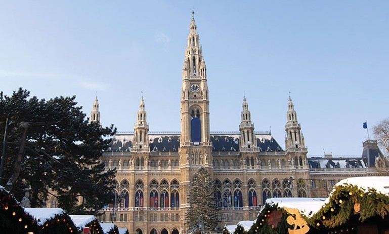 Danube's Imperial Cities & Yuletide Markets